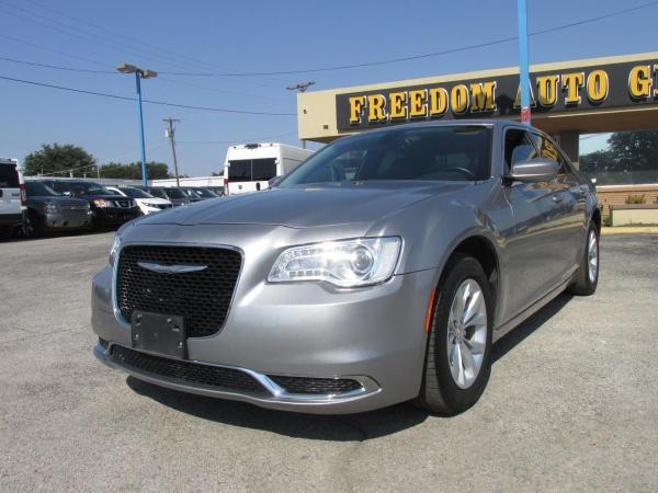 2016 Chrysler 300 in Garland, TX