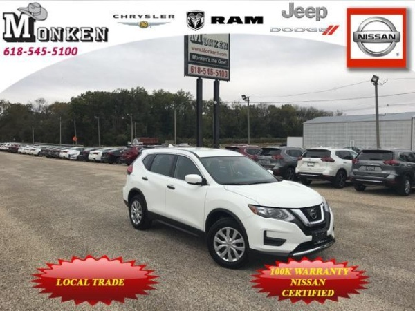 2017 Nissan Rogue in Centralia, IL