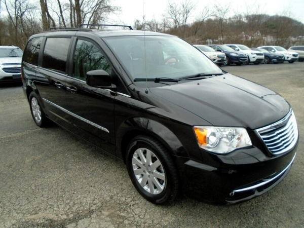 2014 Chrysler Town & Country in Greensburg, PA