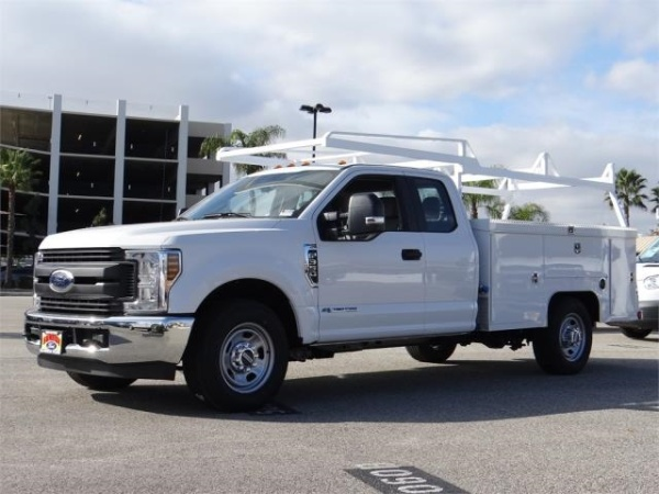 2019 Ford Super Duty F-350 Chassis Cab XL
