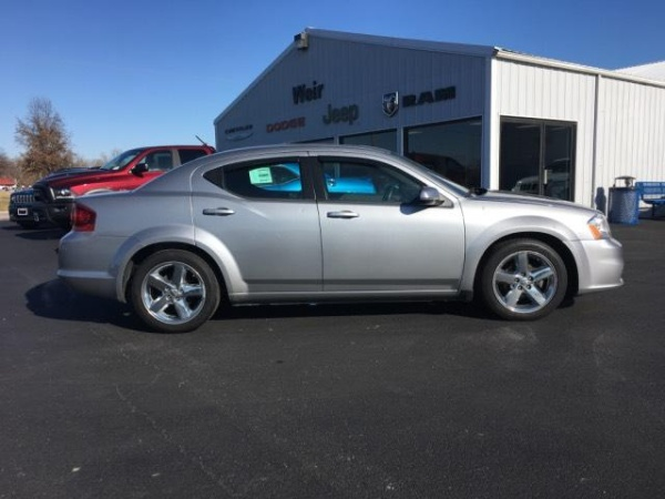 2013 Dodge Avenger in New Athens, IL
