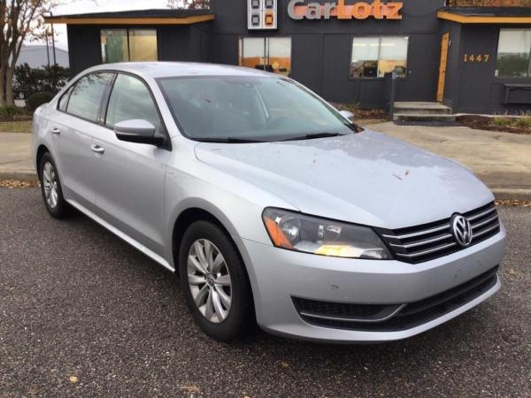 2015 Volkswagen Passat in Chesapeake, VA