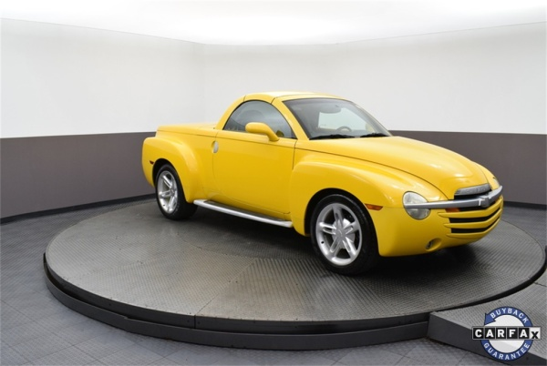 2004 Chevrolet SSR in Highland Park, IL