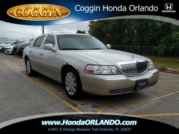 2005 Lincoln Town Car in Orlando, FL