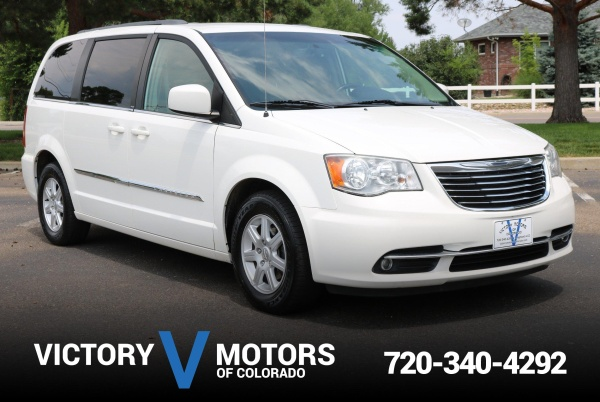 2013 Chrysler Town & Country in Longmont, CO