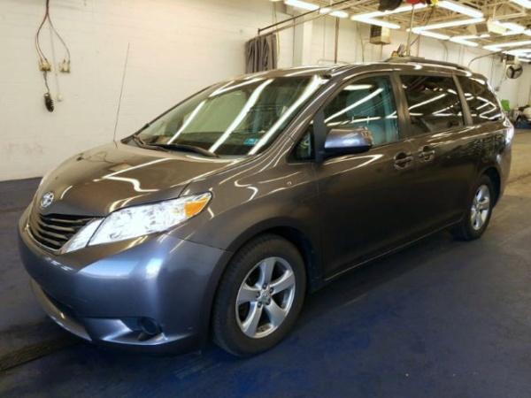 2014 Toyota Sienna in Lilburn, GA