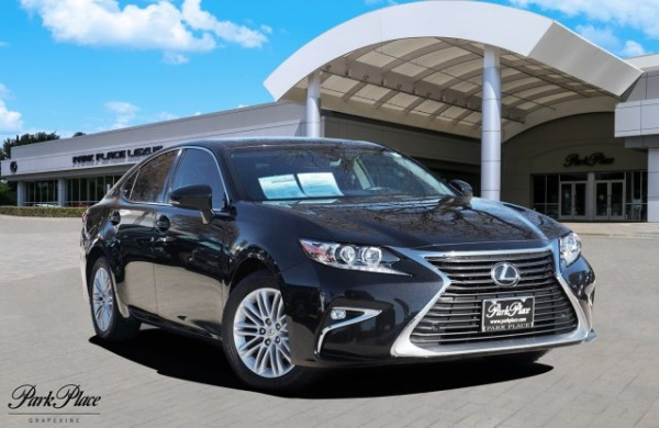 2017 Lexus ES in Grapevine, TX