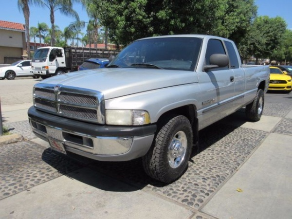2000 Dodge Ram 2500 in Montclair, CA