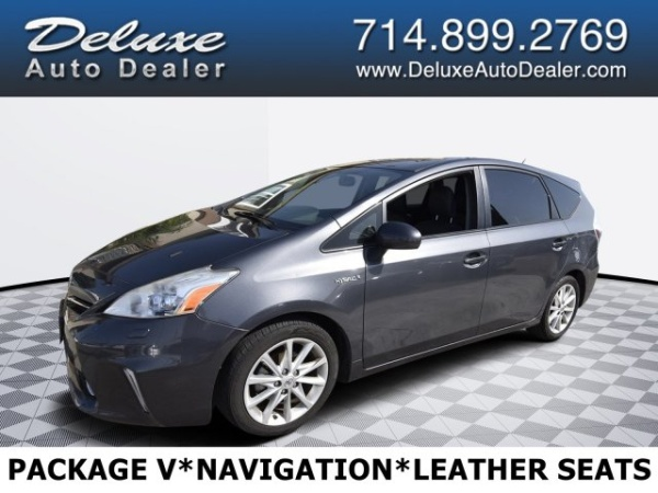 2013 Toyota Prius v in Midway City, CA