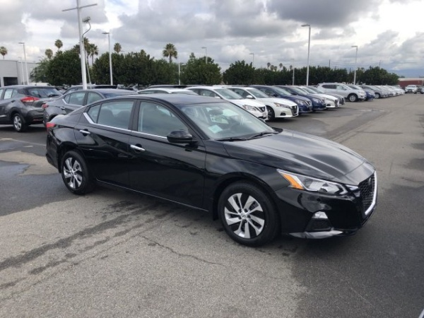 2020 Nissan Altima in Orange, CA