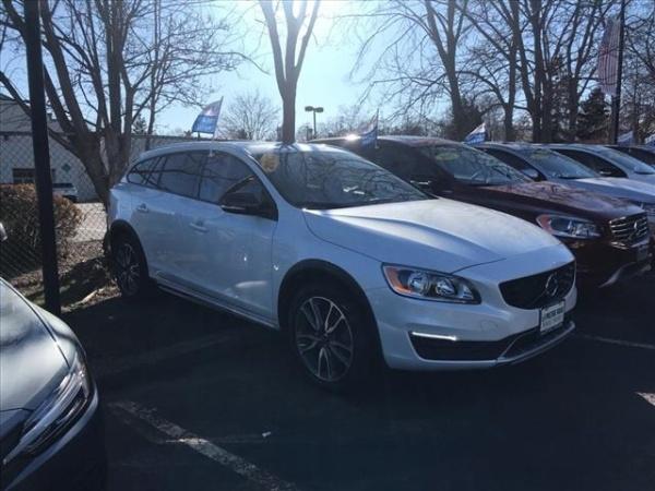 2017 Volvo V60 Cross Country in East Hanover, NJ