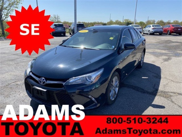 2016 Toyota Camry in Lee's Summit, MO