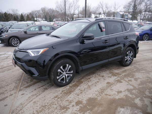 2017 Toyota RAV4 in Maplewood, MN