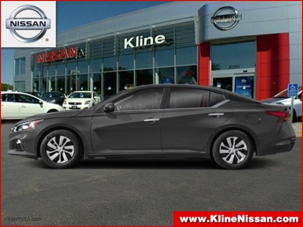 2019 Nissan Altima in Maplewood, MN