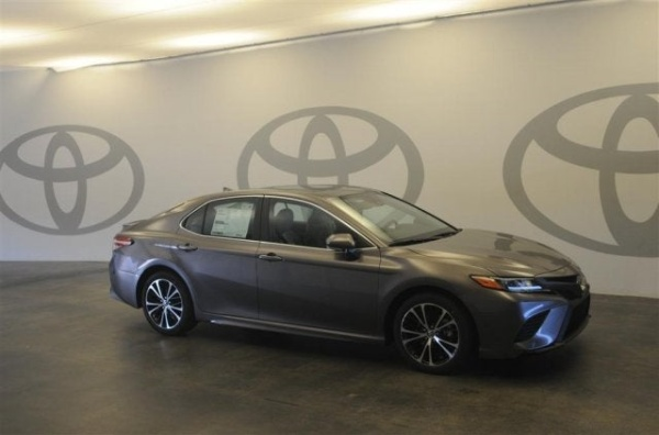 2020 Toyota Camry in Dothan, AL