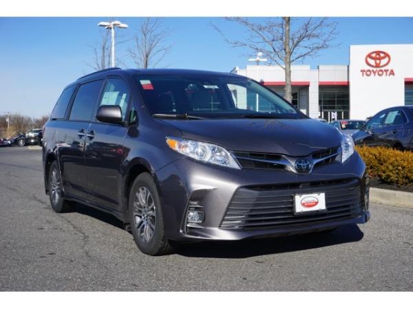 2020 Toyota Sienna in Turnersville, NJ
