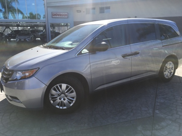 2016 Honda Odyssey in Downey, CA