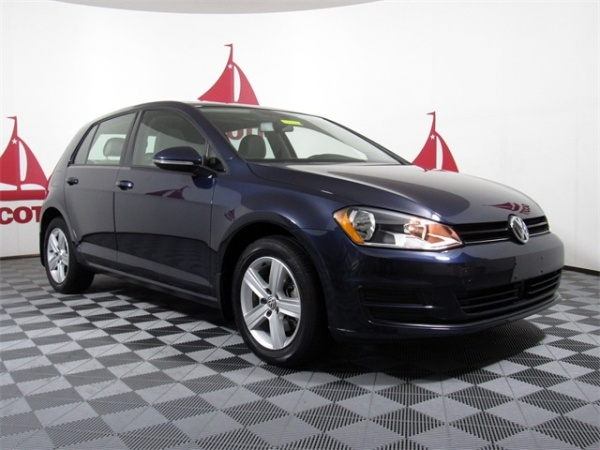 2017 Volkswagen Golf in Springfield, PA