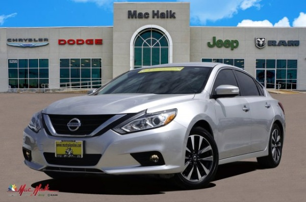 2017 Nissan Altima in Georgetown, TX