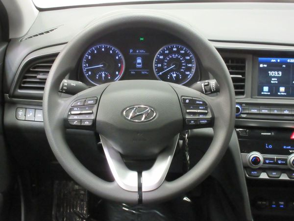 2020 Hyundai Elantra in Dallas, TX