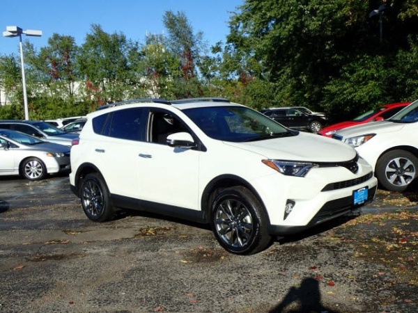 2018 Toyota RAV4 in Arlington Heights, IL