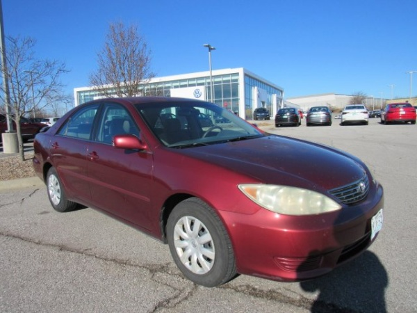 2006 Toyota Camry in Lee's Summit, MO