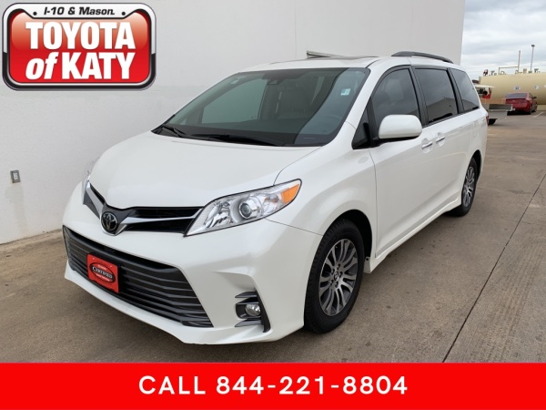 2019 Toyota Sienna in Katy, TX