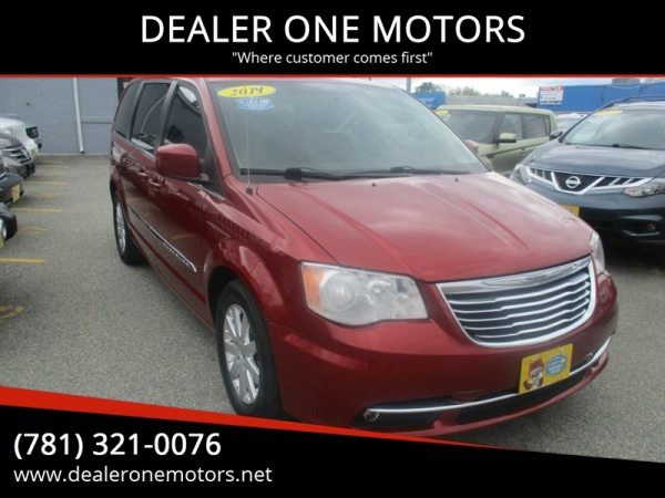 2014 Chrysler Town & Country in Malden, MA