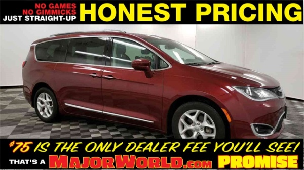 2017 Chrysler Pacifica in Long Island City, NY
