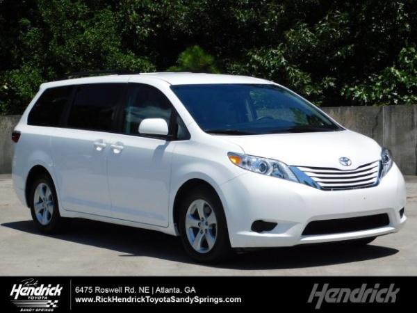 AWD Minivan: What Are My Options? | U.S. News & World Report