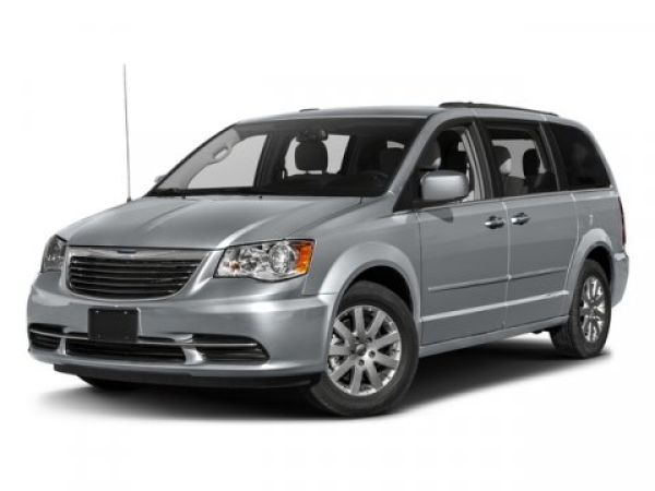 2016 Chrysler Town & Country in Downers Grove, IL