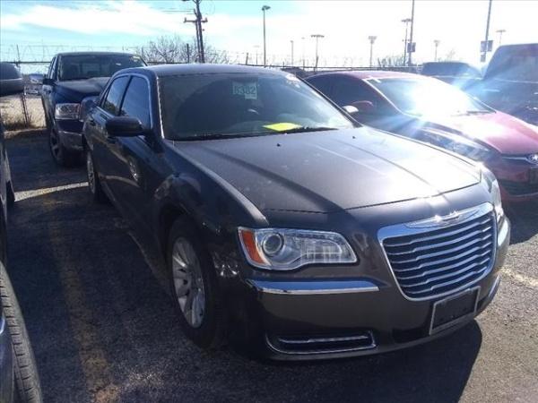 2014 Chrysler 300 in San Antonio, TX