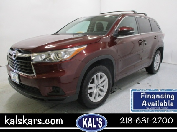 2016 Toyota Highlander in Wadena, MN