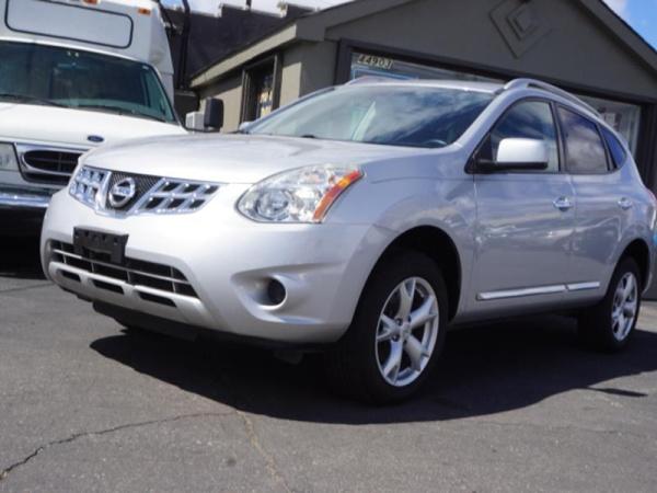 2011 Nissan Rogue in Clinton Township, MI