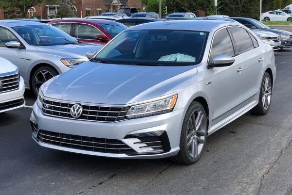 2017 Volkswagen Passat in Knoxville, TN