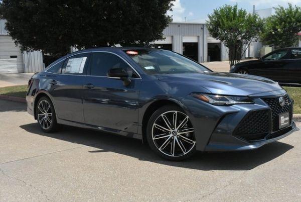2020 Toyota Avalon in Bryan, TX