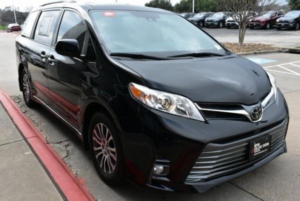 2020 Toyota Sienna in Bryan, TX