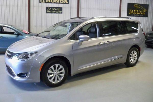 2019 Chrysler Pacifica in Ottawa Lake, MI