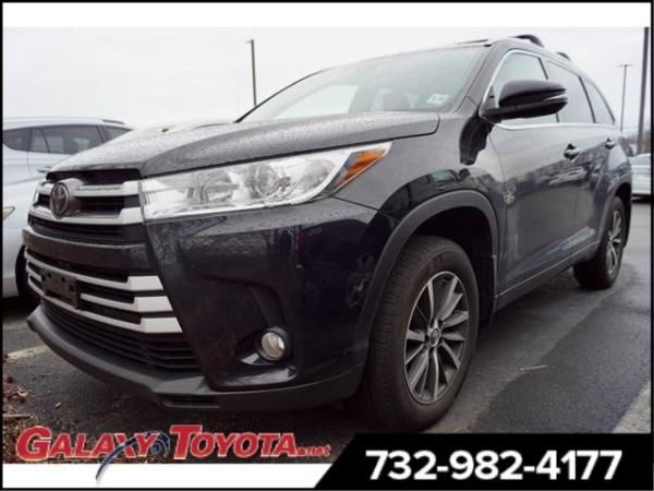 2017 Toyota Highlander in Eatontown, NJ