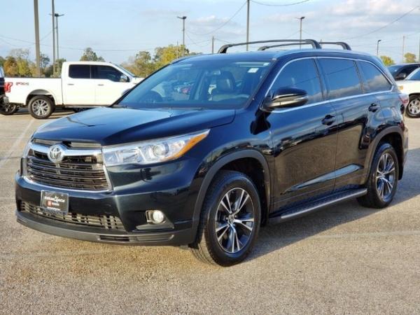 2016 Toyota Highlander in Houston, TX