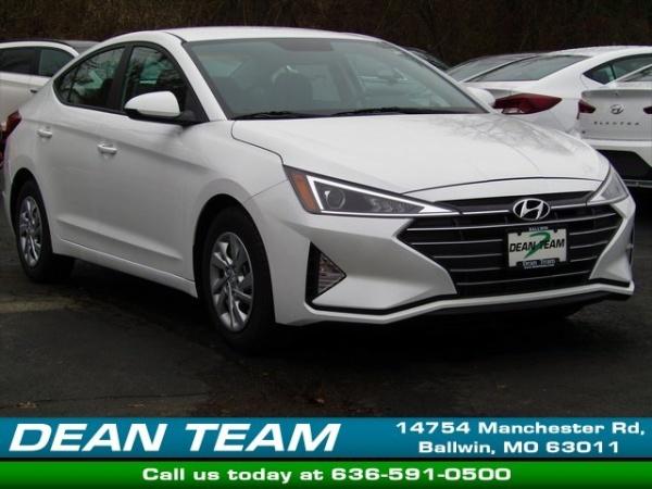 2020 Hyundai Elantra in Ballwin, MO