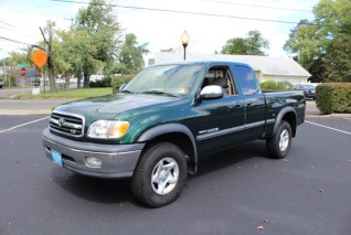 Used 2002 Toyota Tundra SR5 Access Cab V8 RWD Automatic For Sale In  Middletown, NJ