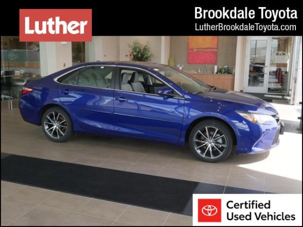 2016 Toyota Camry in Brooklyn Park, MN
