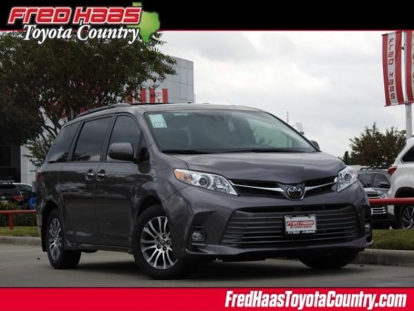 2020 Toyota Sienna in Houston, TX