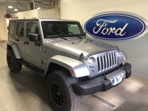 2017 Jeep Wrangler in Des Moines, IA