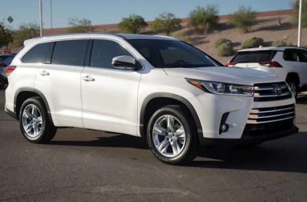 2019 Toyota Highlander in Mesa, AZ