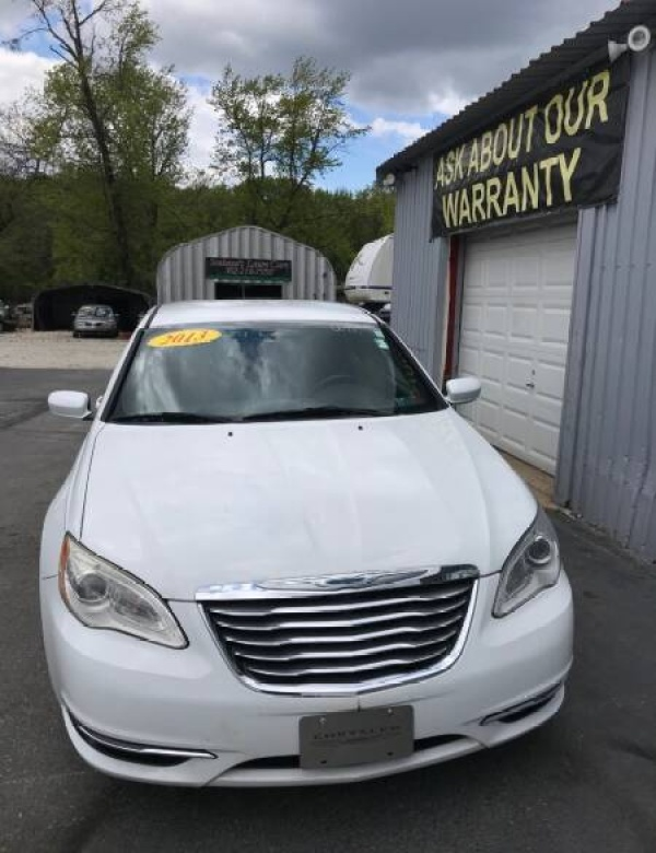 2013 Chrysler 200 in New Castle, DE