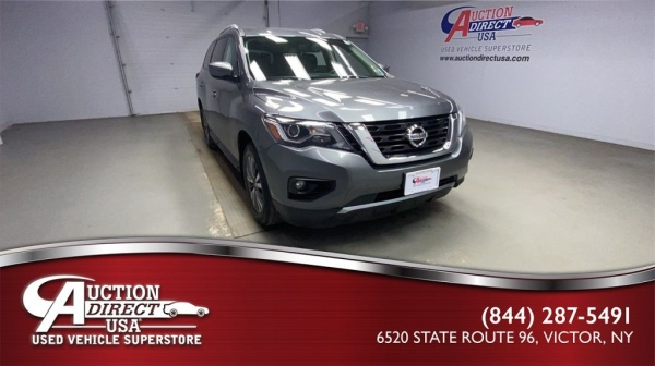 2017 Nissan Pathfinder in Victor, NY