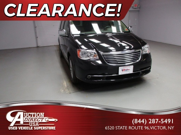 2016 Chrysler Town & Country in Victor, NY