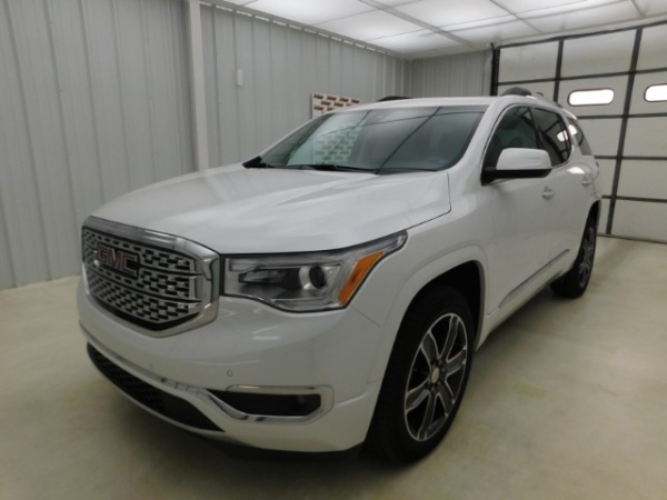 2018 GMC Acadia in Manhattan, KS